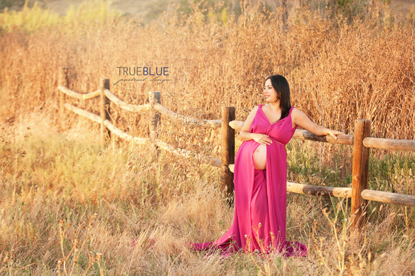 outdoor maternity photoshoot