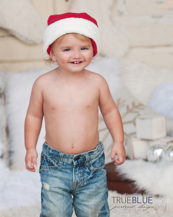 toddler christmas photoshoot