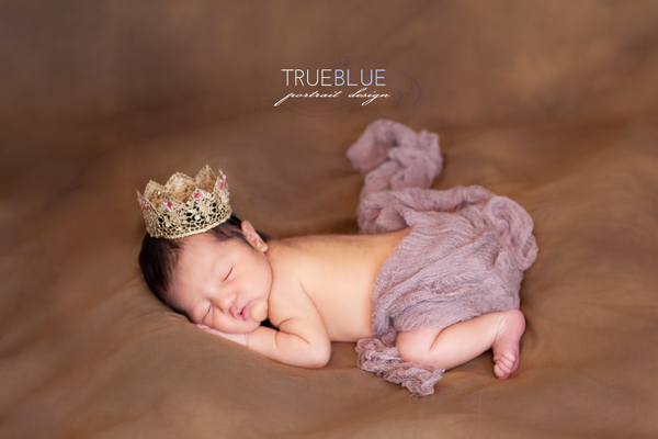 cute ewborn baby girl photoshoot